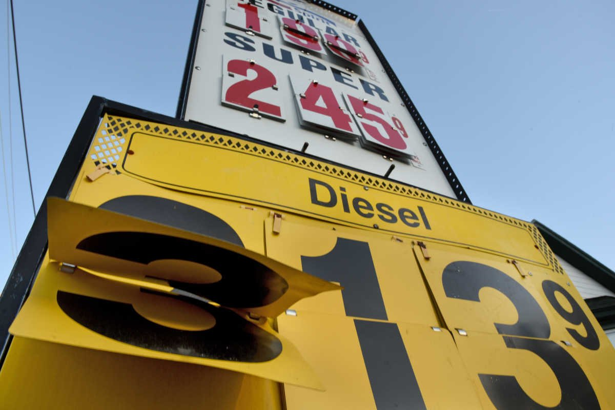 2 Republicans in N.J. Senate seek to repeal gas tax hike.