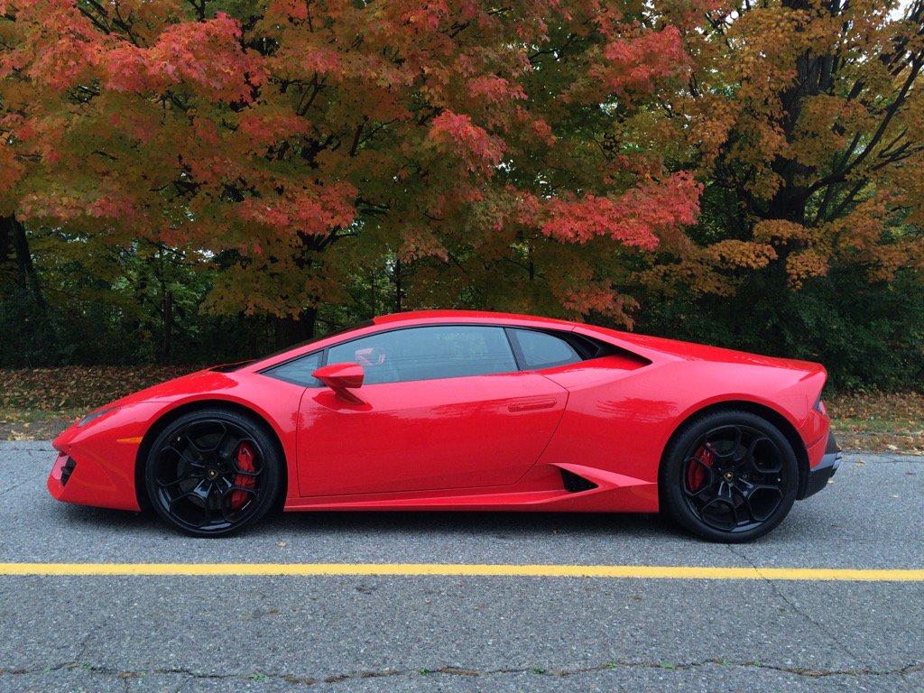 Fall colours. @Lamborghini https://t.co/bztYht8NXi
