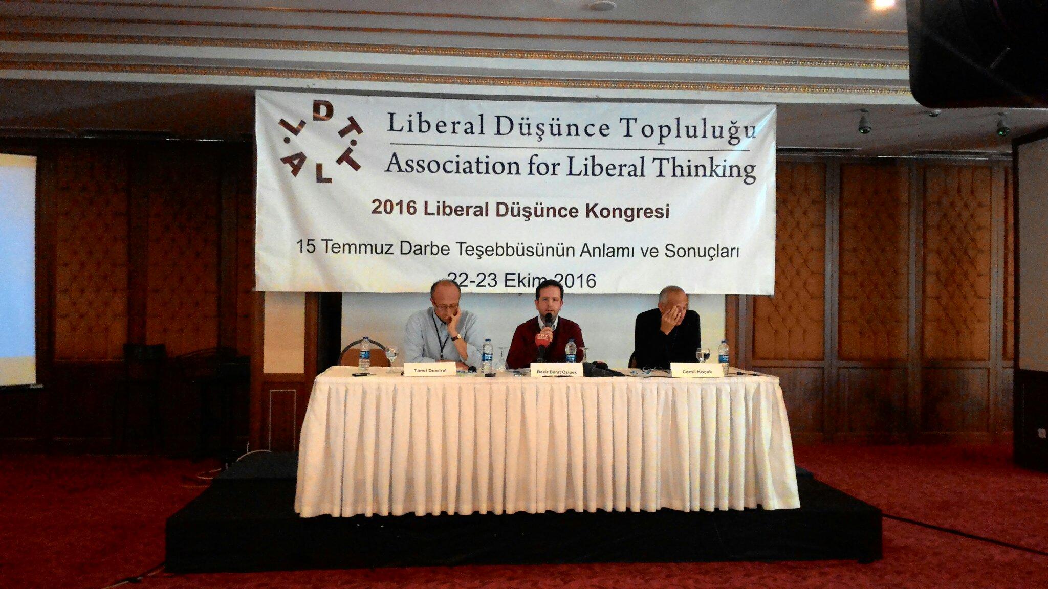 Liberal Düşünce Kongresi'nin ilk oturumunda Prof.Dr. Bekir Berat Özipek, Prof. Dr. Cemil Koçak ve Prof.Dr.Tanel Demirel konuşuyor. #2016LDK https://t.co/n7MXz5bvVw