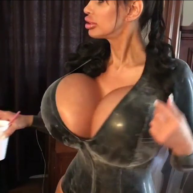 Alicia huge boobs cam compilation 10