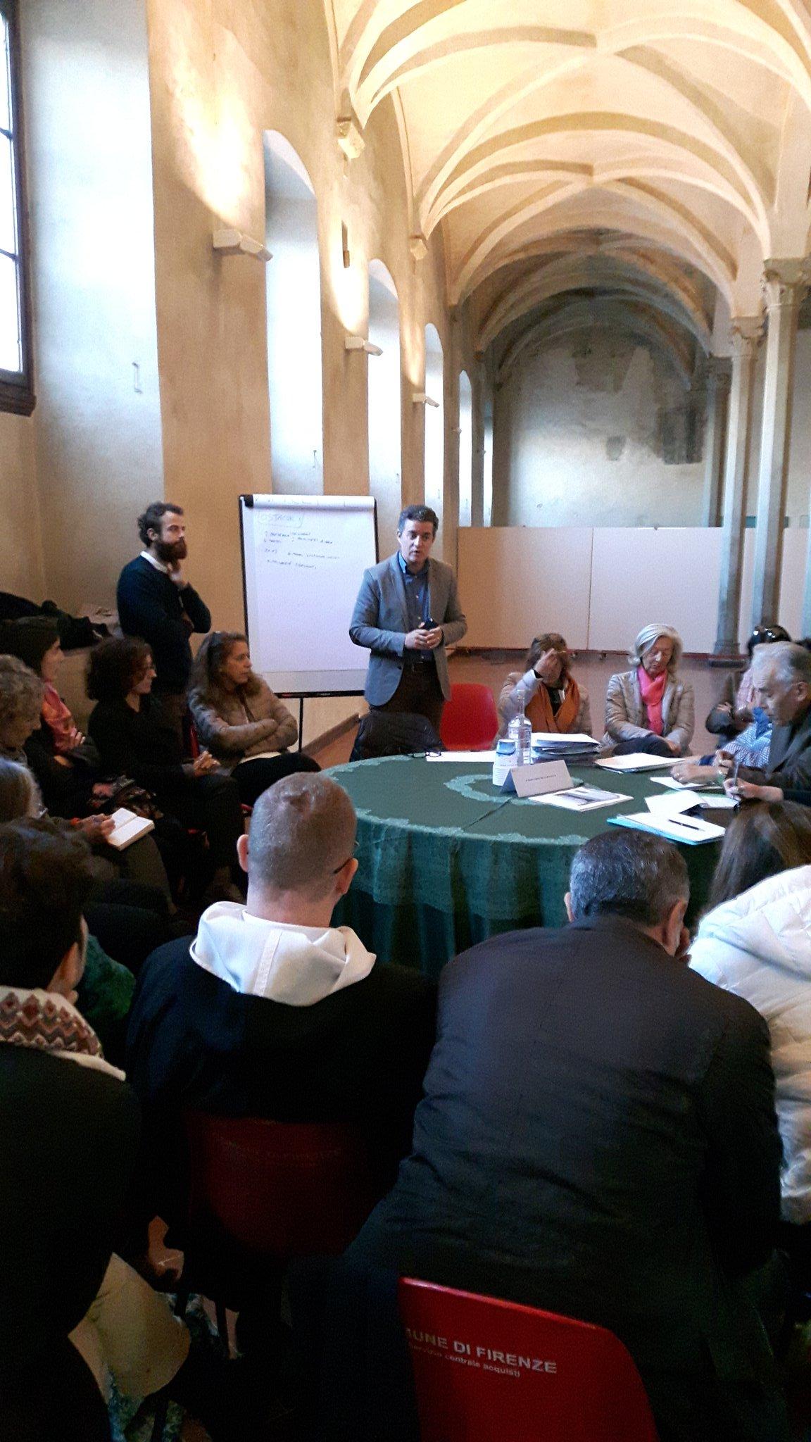Al tavolo 1 @gvannuccini illustra #innovazione nei #musei a #Firenze #maratonaascolto #Cultura https://t.co/B3SLxyvb2P