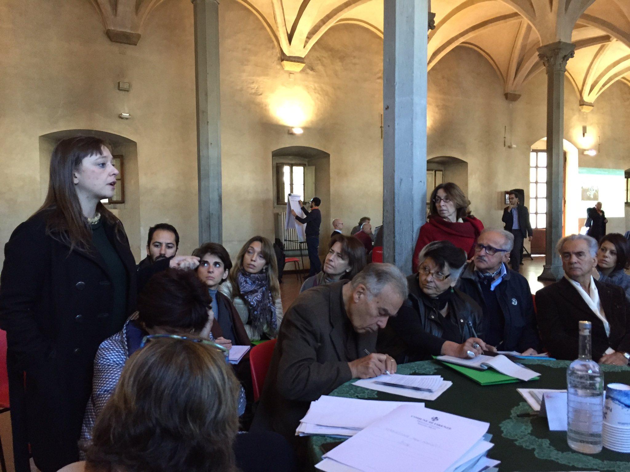 al tavolo #musei della #MaratonaAscolto si parla di come analizzare meglio i #bigdata della @FirenzeCard insieme ai 72 musei di #Firenze https://t.co/N8dIemvHK8