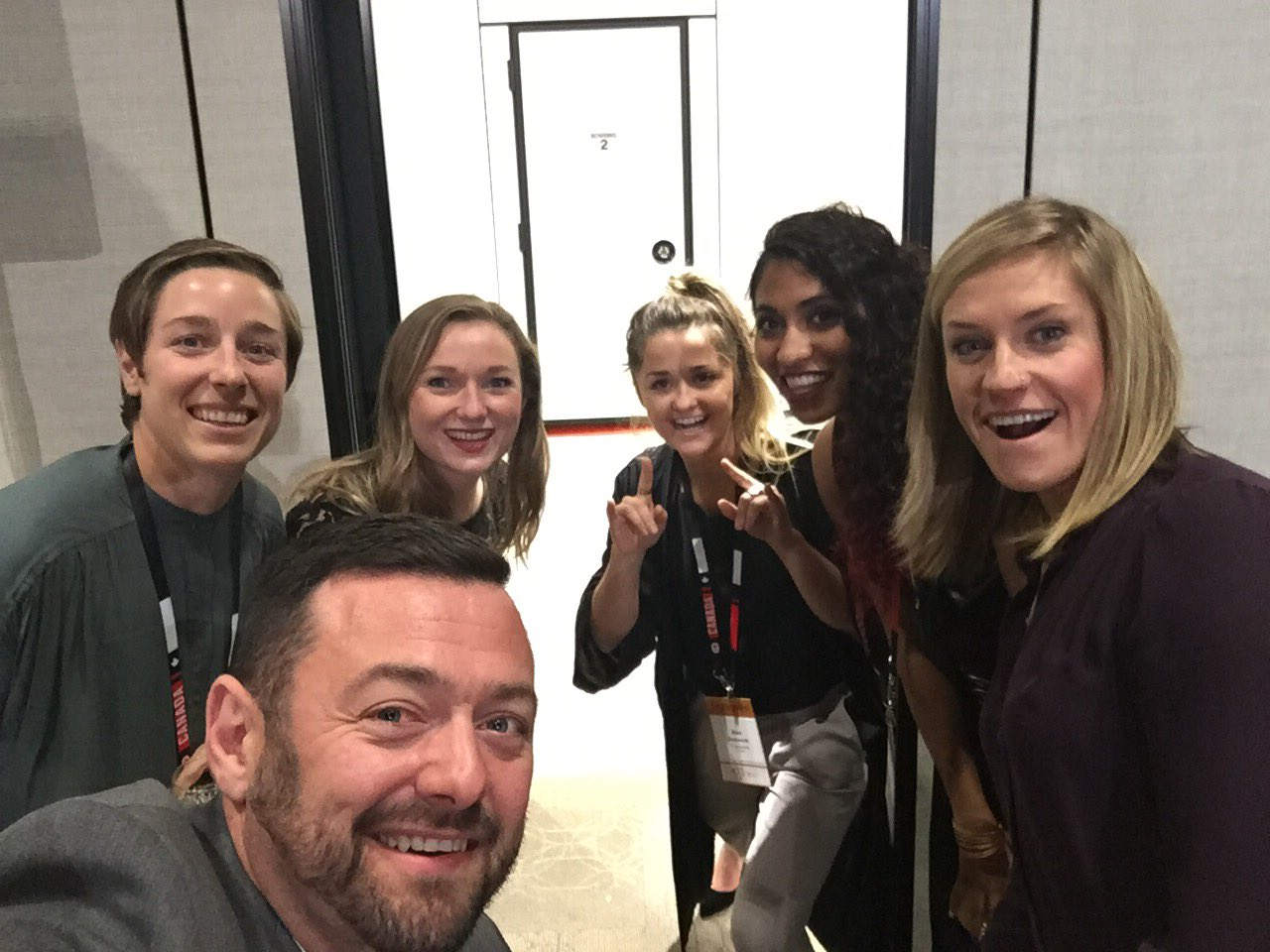 Waiting to take the stage at @GoldMedalPlates  Was great meeting all these amazing athletes! #GMPStJohns    @gsimmerling https://t.co/VJlcMxhON6