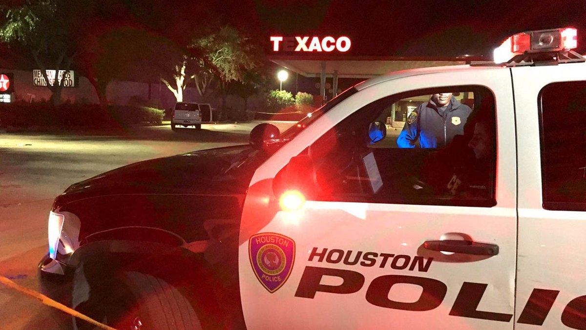 Texaco station ambush leaves 1 dead in southwest Houston abc13