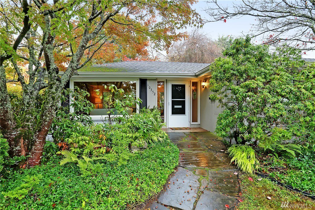 Funky open home in Greenwood to see this weekend