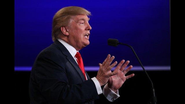 Trump returns to Virginia, as commonwealth tilts toward Clinton