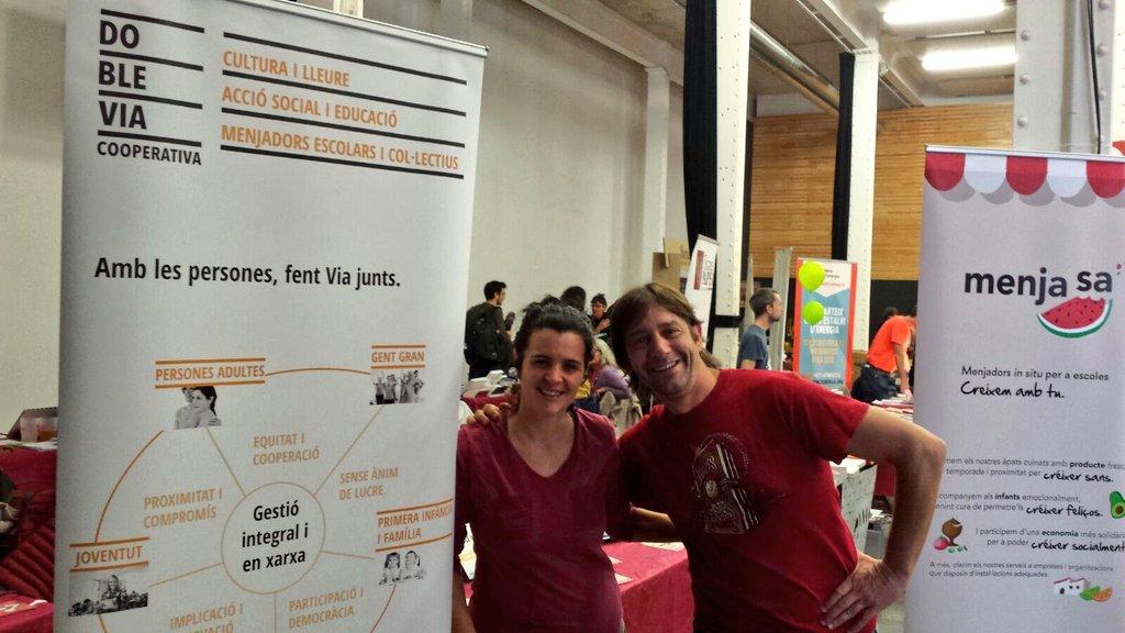 I per la tarda el Jordi @jordis_73  i l'Anna us esperen a l'estand de #DobleVia a la #FESC2016 @XES_cat #5anysFESC https://t.co/spcV1Qlnvt