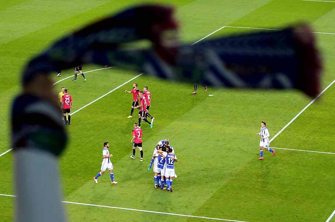 💪💪💪💪💪💙⚪💙 1-0 #RealSociedadAlaves https://t.co/Skentu0TGy