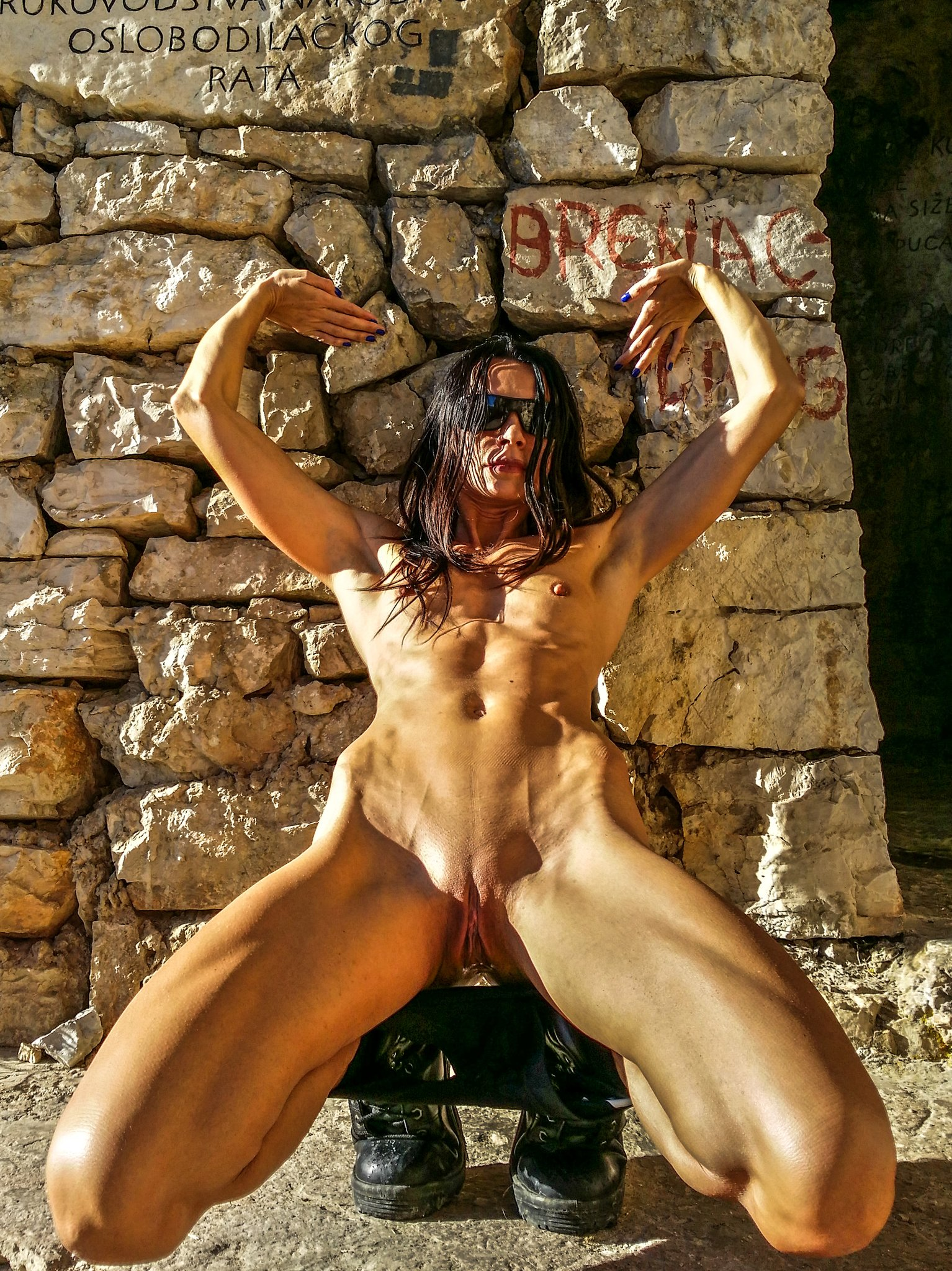 Pictures cave woman pussy
