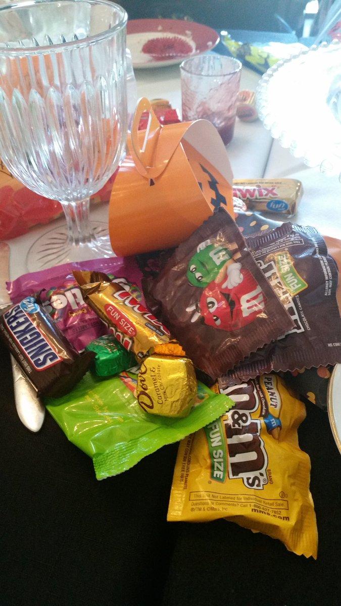 Lolitaskingdom.com4 Candy... Candy everywhere! #Halloweencandy #Lolitameetup  #centralfloridalolitas http://pic.twitter.com/D9oNuXcNuZ