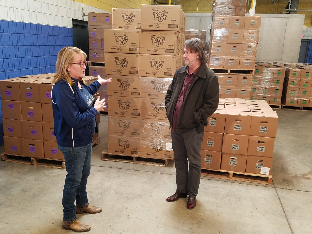 Huge thanks to John Bell of @WidespreadPanic for visiting Hunger Task Force today! #panictour #foodbanktour https://t.co/UUhdcfWMWh