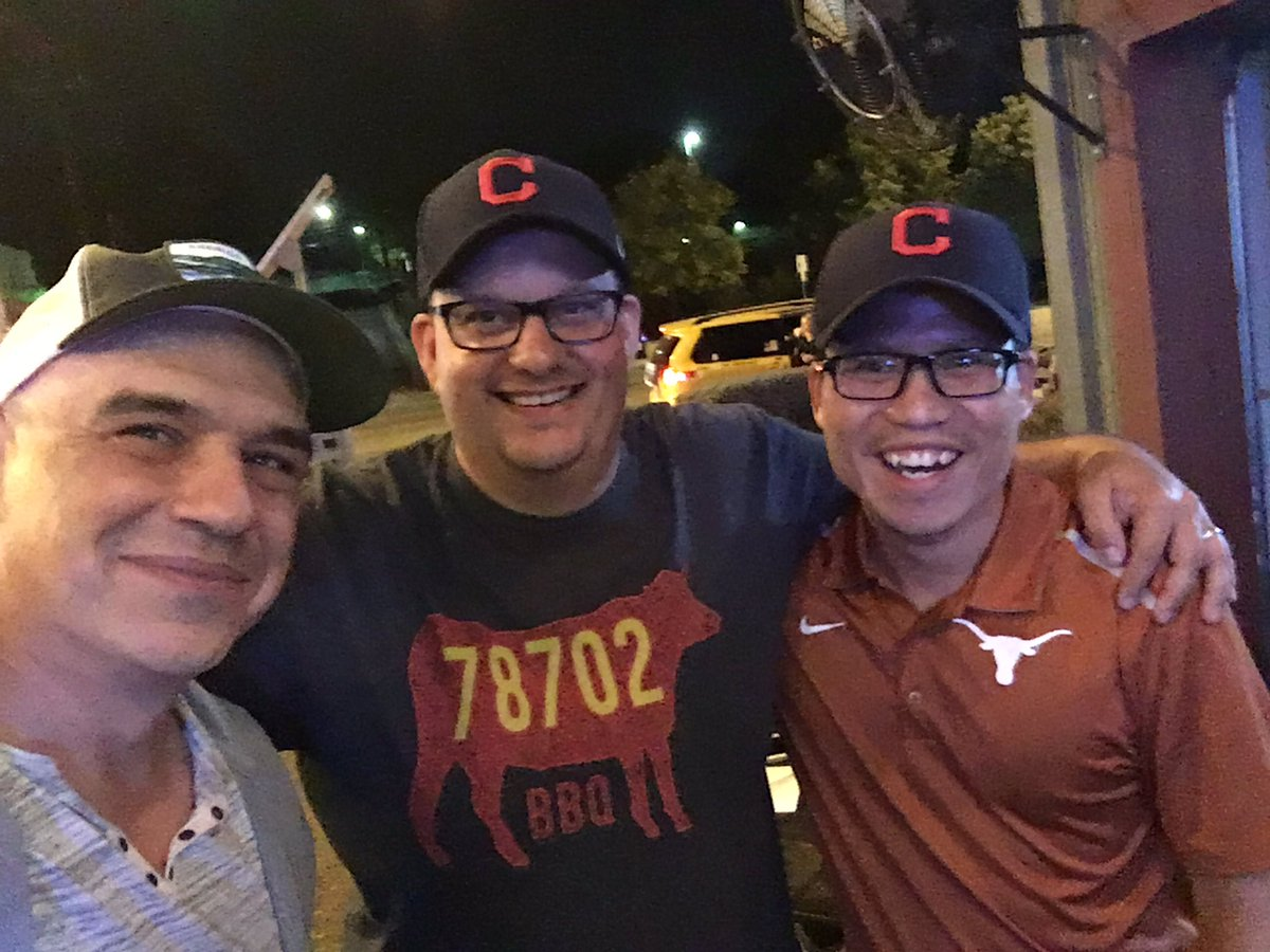 We were in Austin, but it was an Ohio-friendly crowd tonight. #RallyTogether w/ @TheSmokingHo & @chefsymon https://t.co/4CwDOydEp7