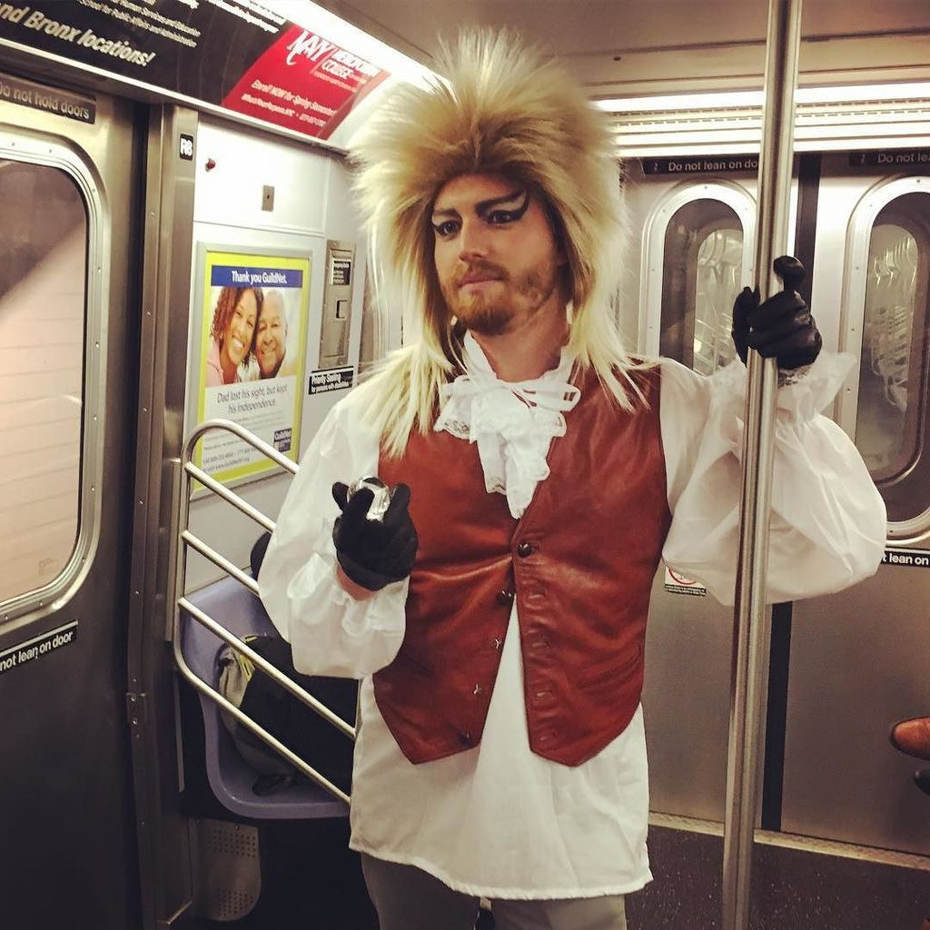 The king *hates* how unreliable the F has become. Happy Halloween!  #bowie #halloween #nyc https://t.co/neEut98uoA https://t.co/j1ksrF14fw