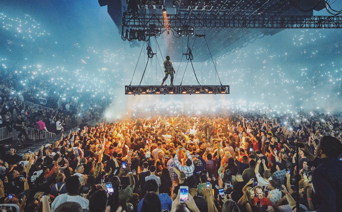 . @kanyewest puts on an outstanding in front of the completely sold out @TMobileArena.