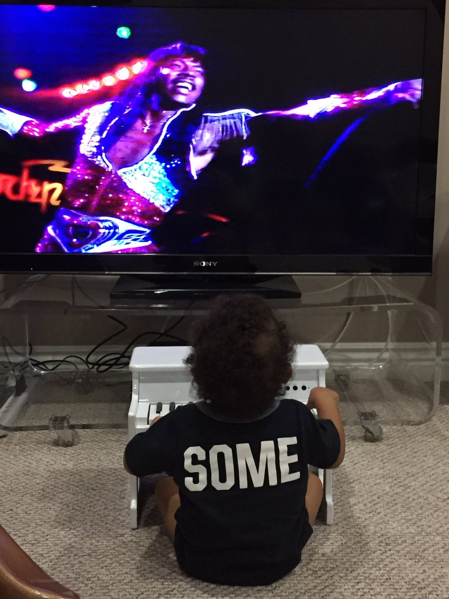 Instead of a traditional bed time story, Leo & I jam with our funk superhero Rick James... https://t.co/PkMkGMDY5q