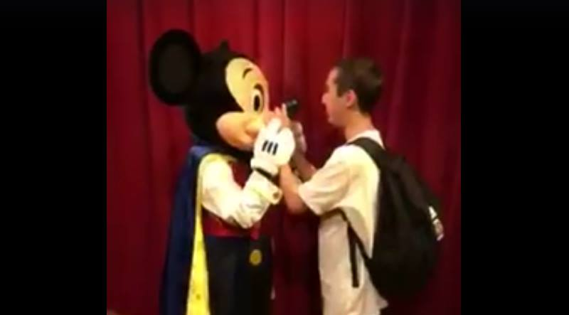 Emotional video captures blind man meeting Mickey Mouse at Disney World