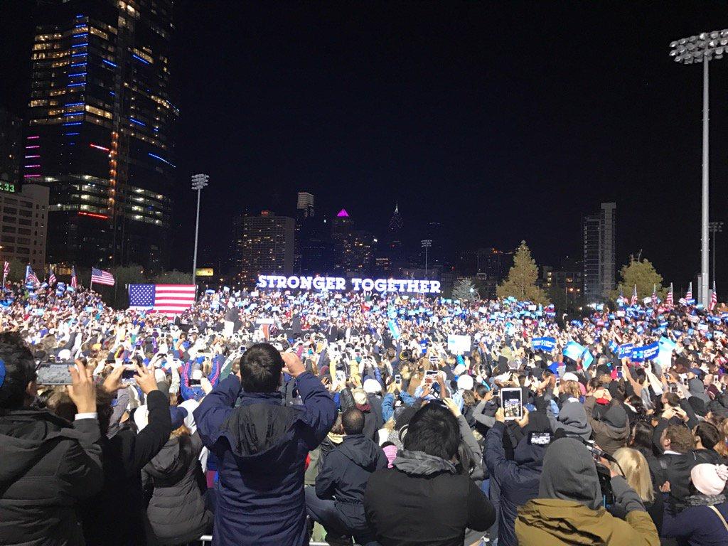 Huge crowd rallies for Clinton in Philadelphia @FOX29philly