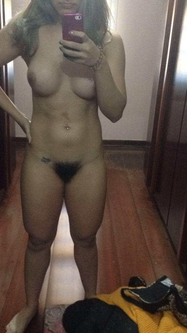 Nude Selfie 9075