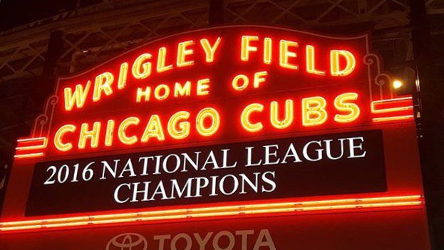 The #WrigleyField Marquee   (it's been awhile) https://t.co/eZWEWOUd8G