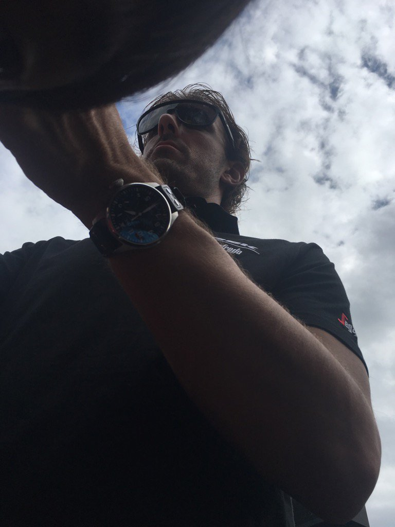 ファビアン・カンチェラーラに超接近で下からの見上げる事にorzw https://t.co/jP4SDES0vf