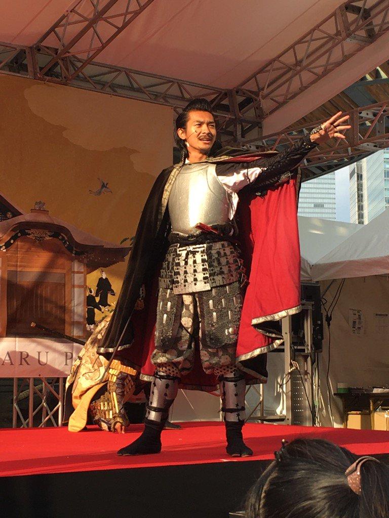 名古屋のおもてなし武将隊が有楽町駅前で演武していたのを見てきました。三代目織田信長かっこいい〜! https://t.co/xiTZvxbRAQ