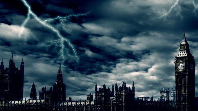 Halloween 2016: italiani stressati non vanno in Vacanza, ma intanto a Londra...