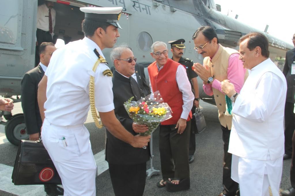 Chopper ferrying President's entourage makes emergency landing in Gujarat