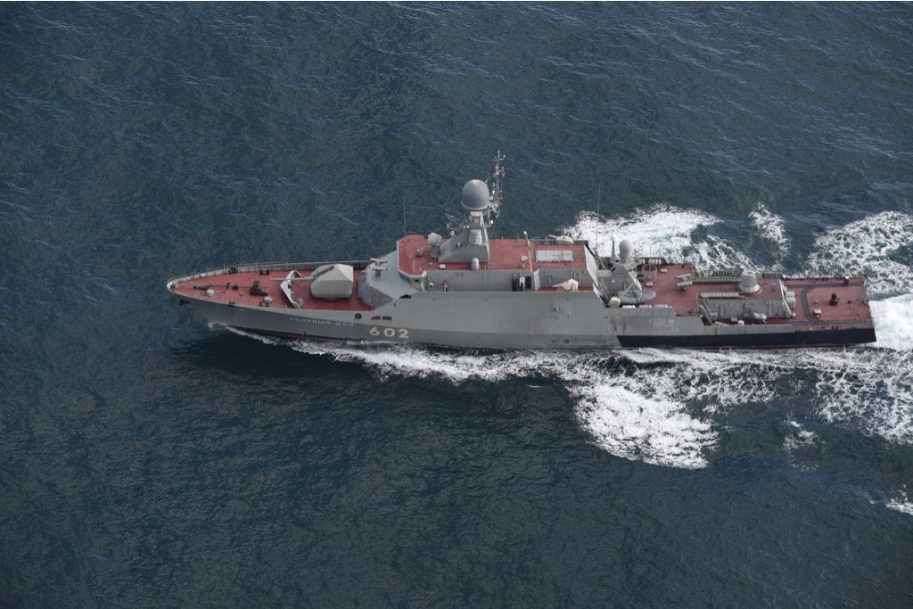 Russian Navy: Status & News #3 - Page 4 CvdmcO2XgAELYHm