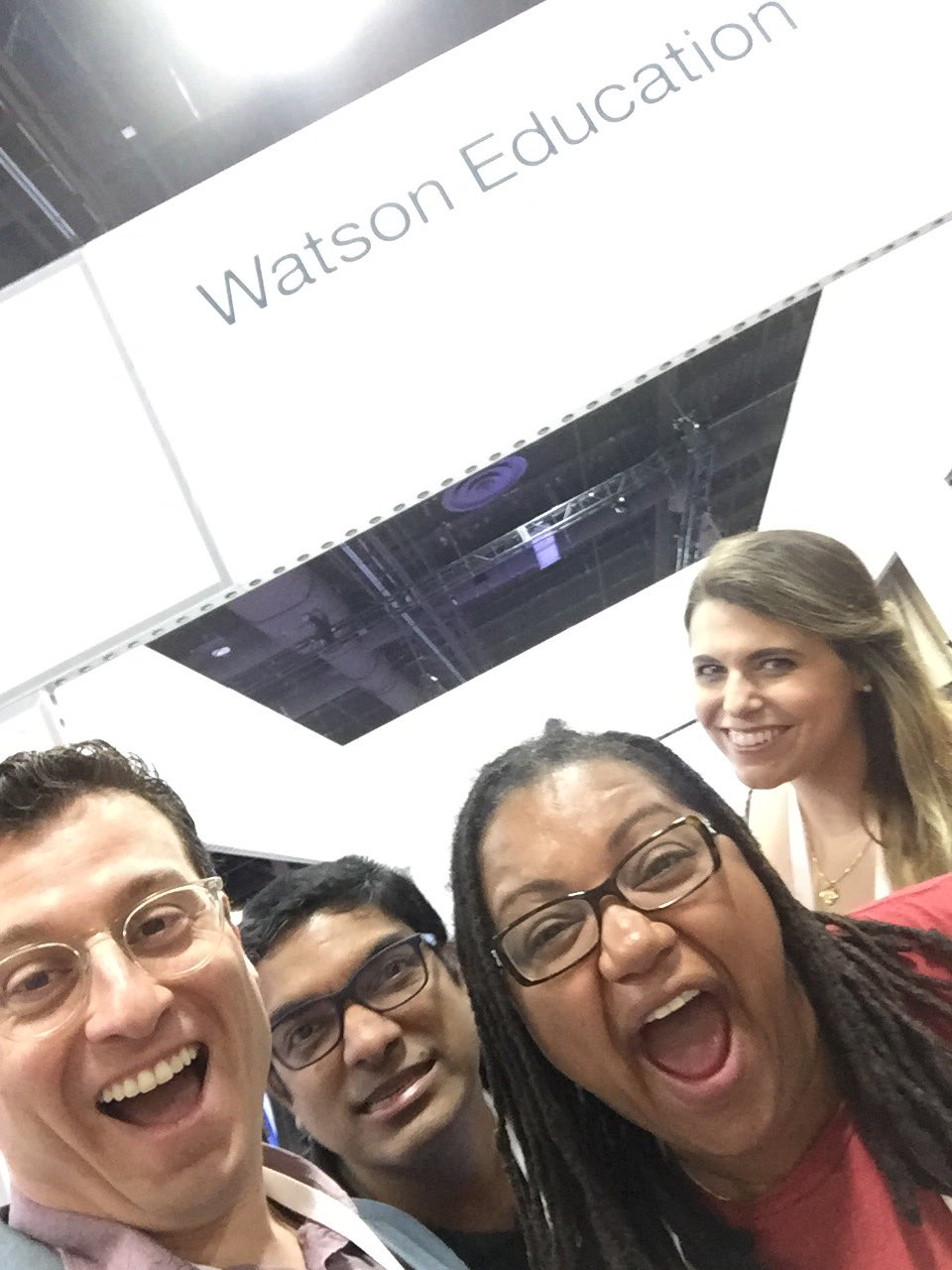 Setting up the booth at #ibmwow and #watsonedu with @beeibm @AJGopinath and @noodlenewman https://t.co/IbKiI80VWY
