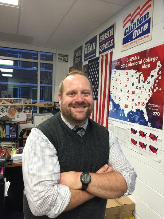 @mfeighan: In ugly election year, teachers find lessons