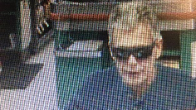 > @AmesburyPD seeking public's help in ID-ing man caught on surveillance camera robbing a bank