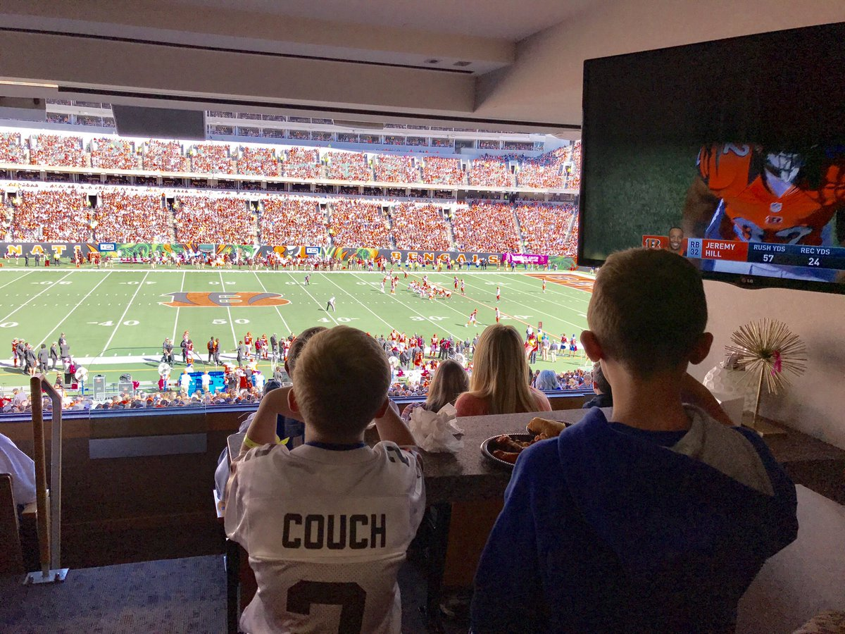 Cheering on the @Browns today with my boys https://t.co/2NSaFO9c0m