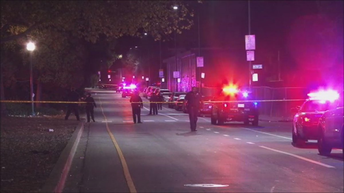 Shooting in Oakland leaves 7 men injured