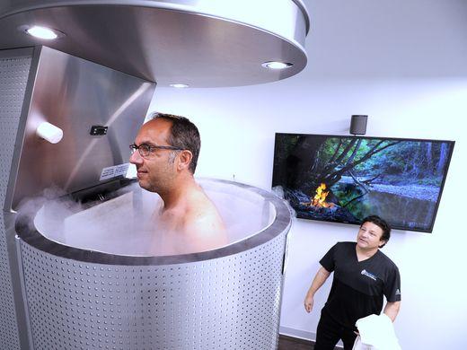 Relax in a spray of liquid nitrogen at cryospas