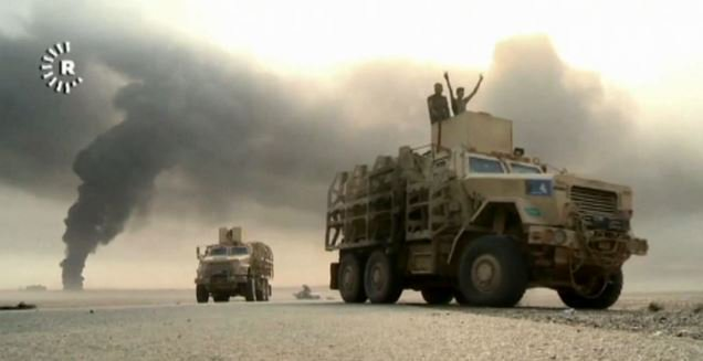 Iraqi forces advance near Mosul as IS attacks western town 7News