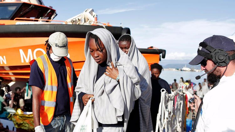 Italy recovers 14 dead in 2 days on smugglers' boats