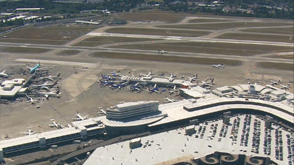 Bag catches fire at Sea-Tac Airport due to vape pen charger >>