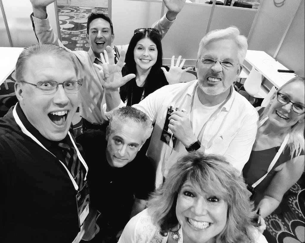 Now THAT'S a selfie! #FinTech influencers and IBM social rock stars  (plus one content viking) at #ibmwow! https://t.co/2jGySwK76t