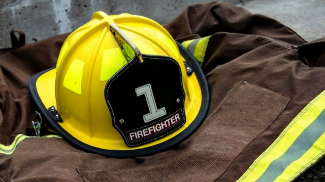 94-year-old who has been fire chief since 1953 is retiring >>