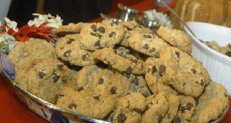 Insomnia Cookies giving out free cookies October 24