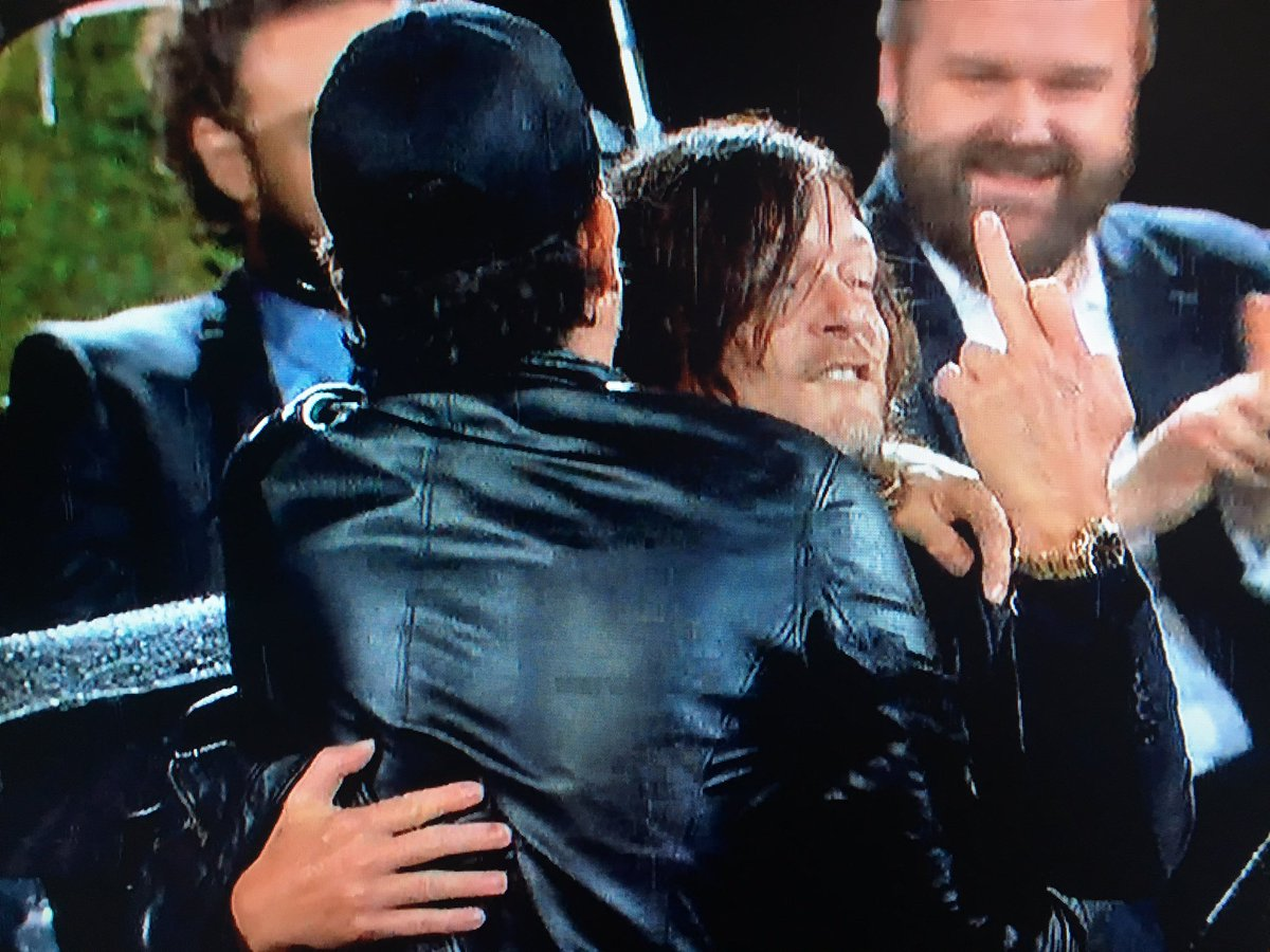 And then this happened. #TalkingDead #TheWalkingDead https://t.co/q5liVLDJeQ