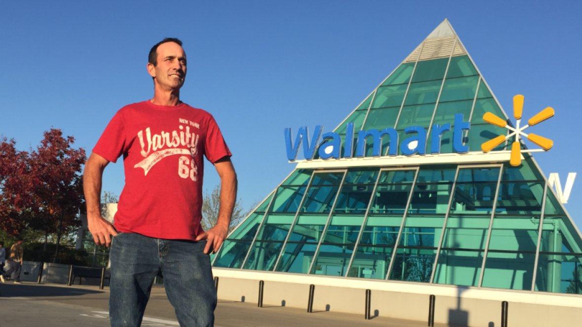 Walmart insider says 'heartbreaking' amount of food dumped in trash
