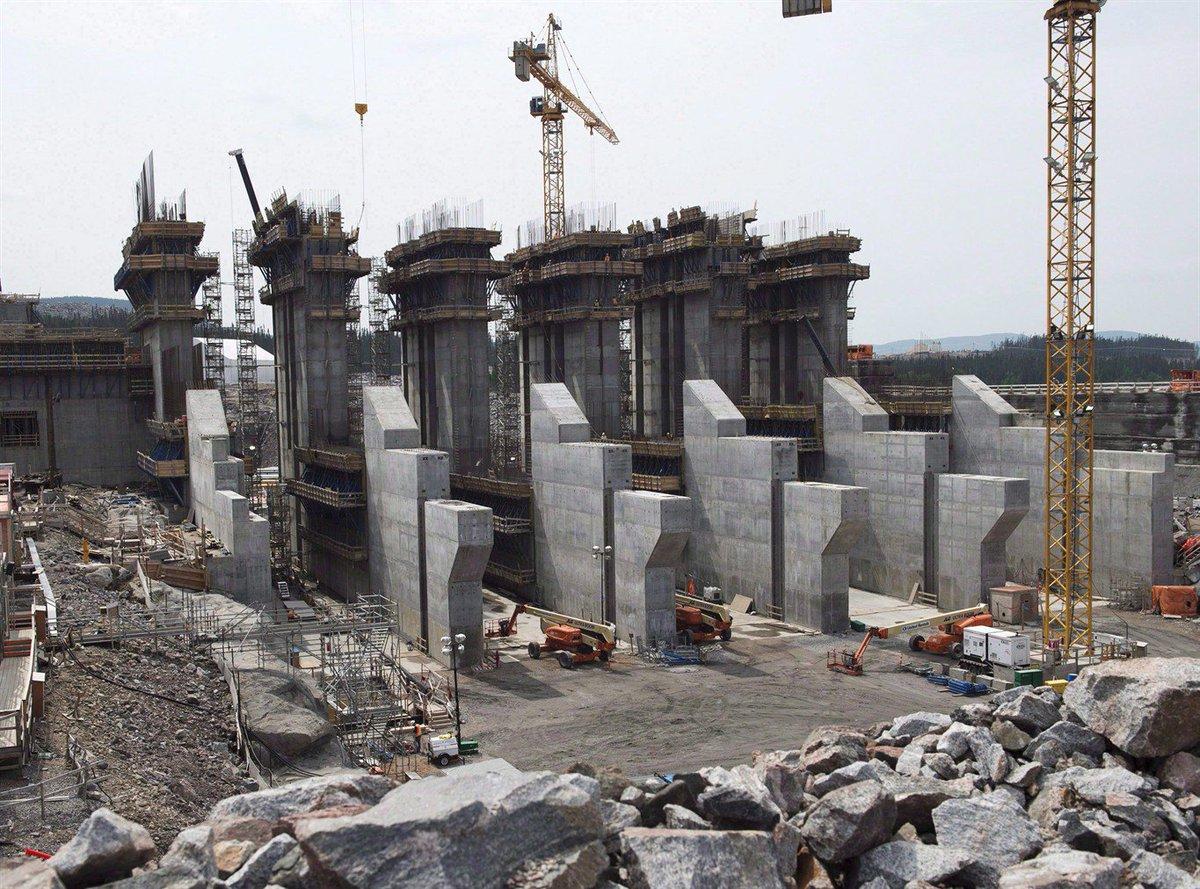 Protesters, on hunger strike against Muskrat Falls hydro dam, reach Ottawa