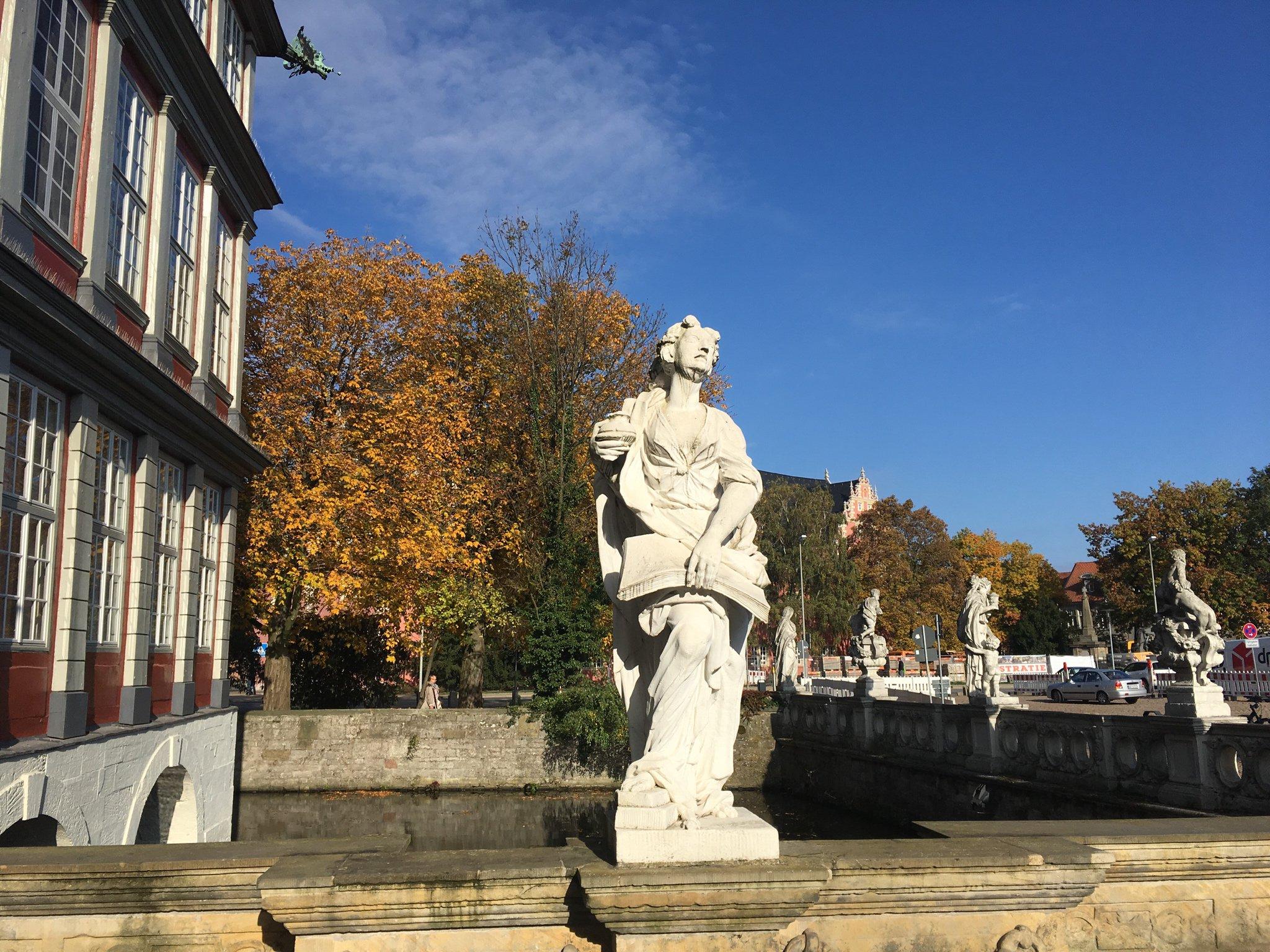 Die Herbstsonne genießen #meurers #echtlessig https://t.co/F7vE8GHkyp