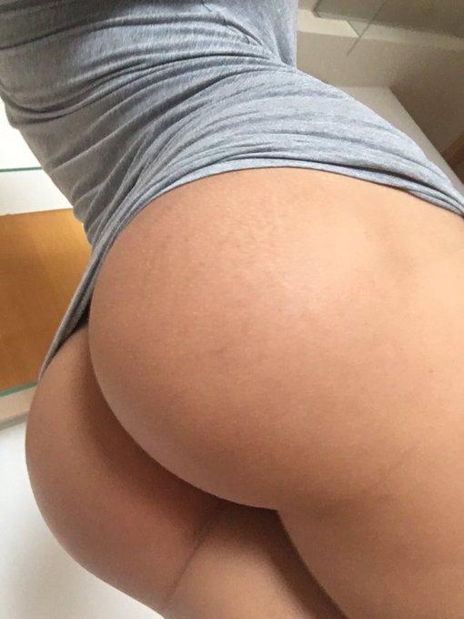 I love my ass https://t.co/adR0YkPLYi