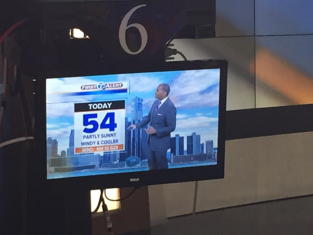Good Monday morning! A colder day ahead @KeenanSmithWX says high temp of 54. Join us for Action News now