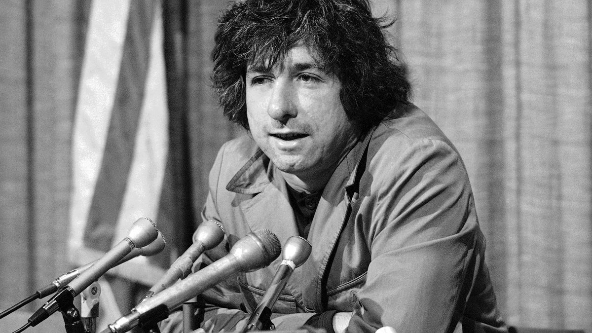 Tom Hayden, the preeminent 1960s radical, dead at 76.
