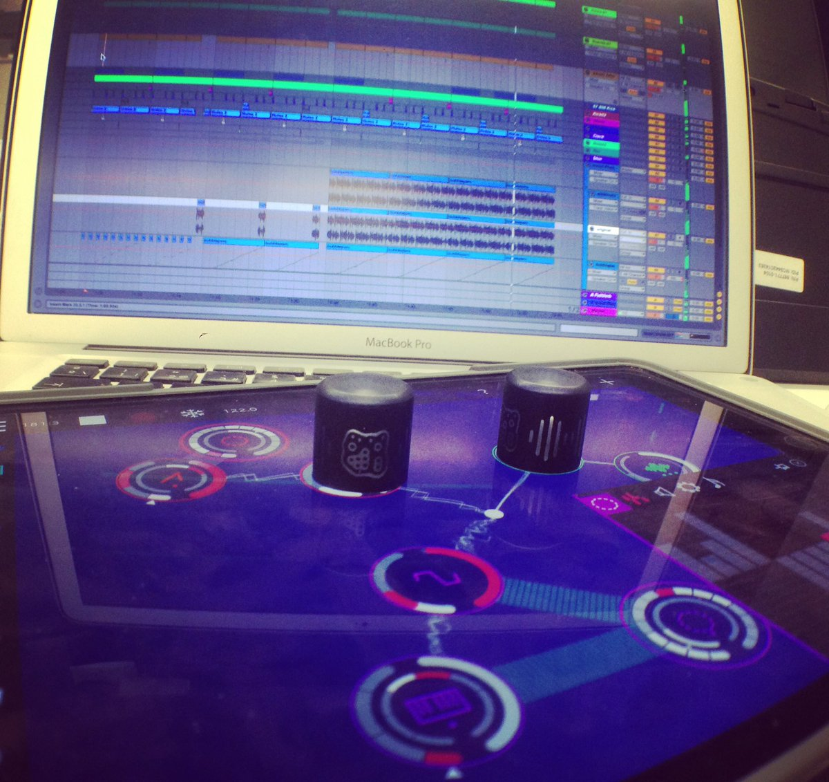 ROTOR perfectly syncing w/@Ableton link @reactable -on the App Store #music #technology #rotor #ipad #live #ableton https://t.co/GbIPHRjVnD