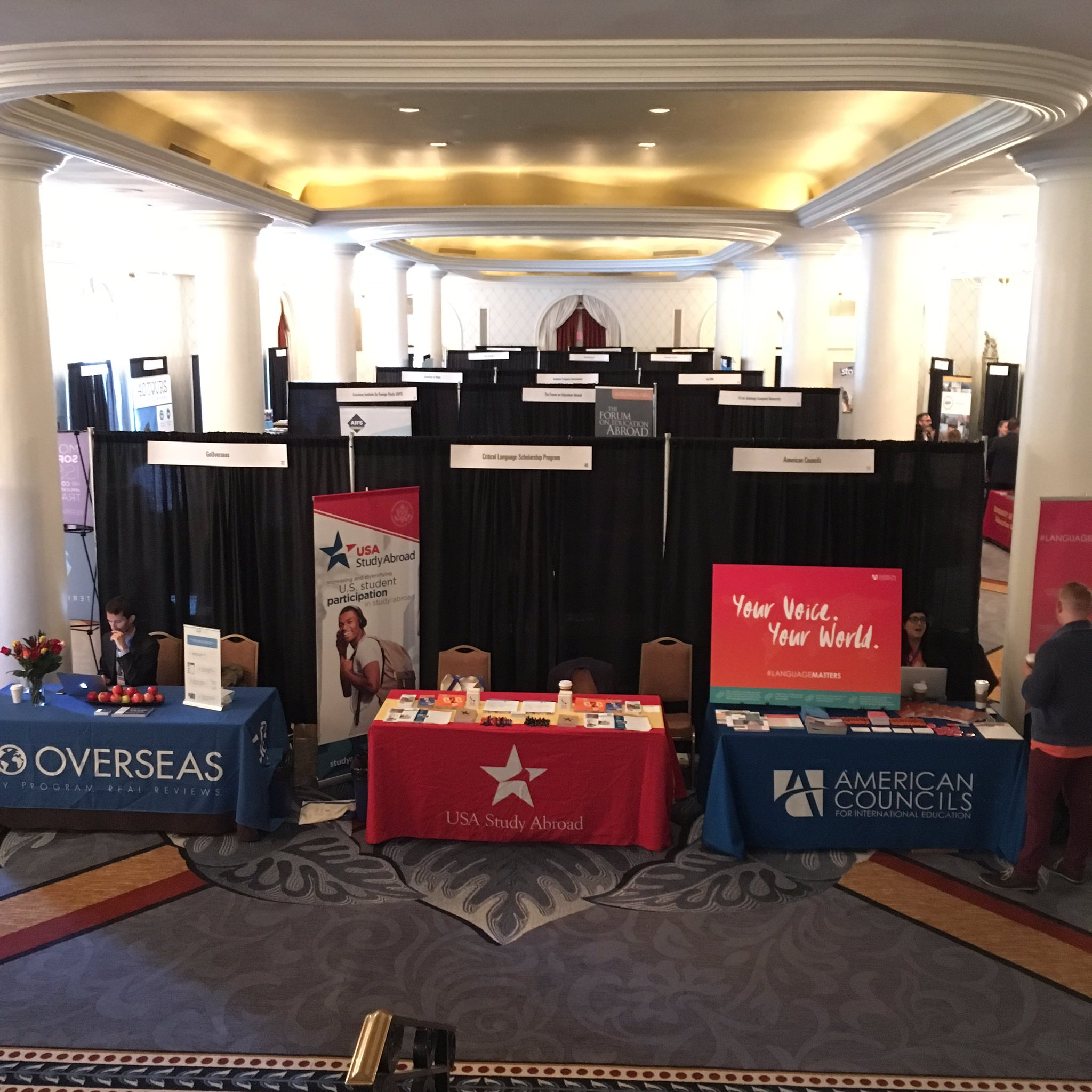 Bird's eye view of the exhibit hall at @IIE_Summit #IIESummit2016 #GenerationStudyAbroad https://t.co/0Cd9SqrHeL