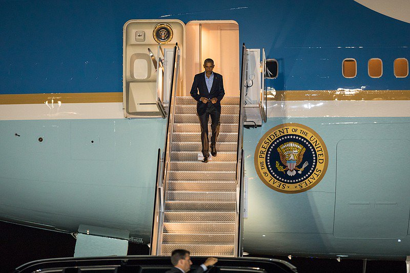 Obama takes his likely final trip to San Diego as president (and slams Darrell Issa)